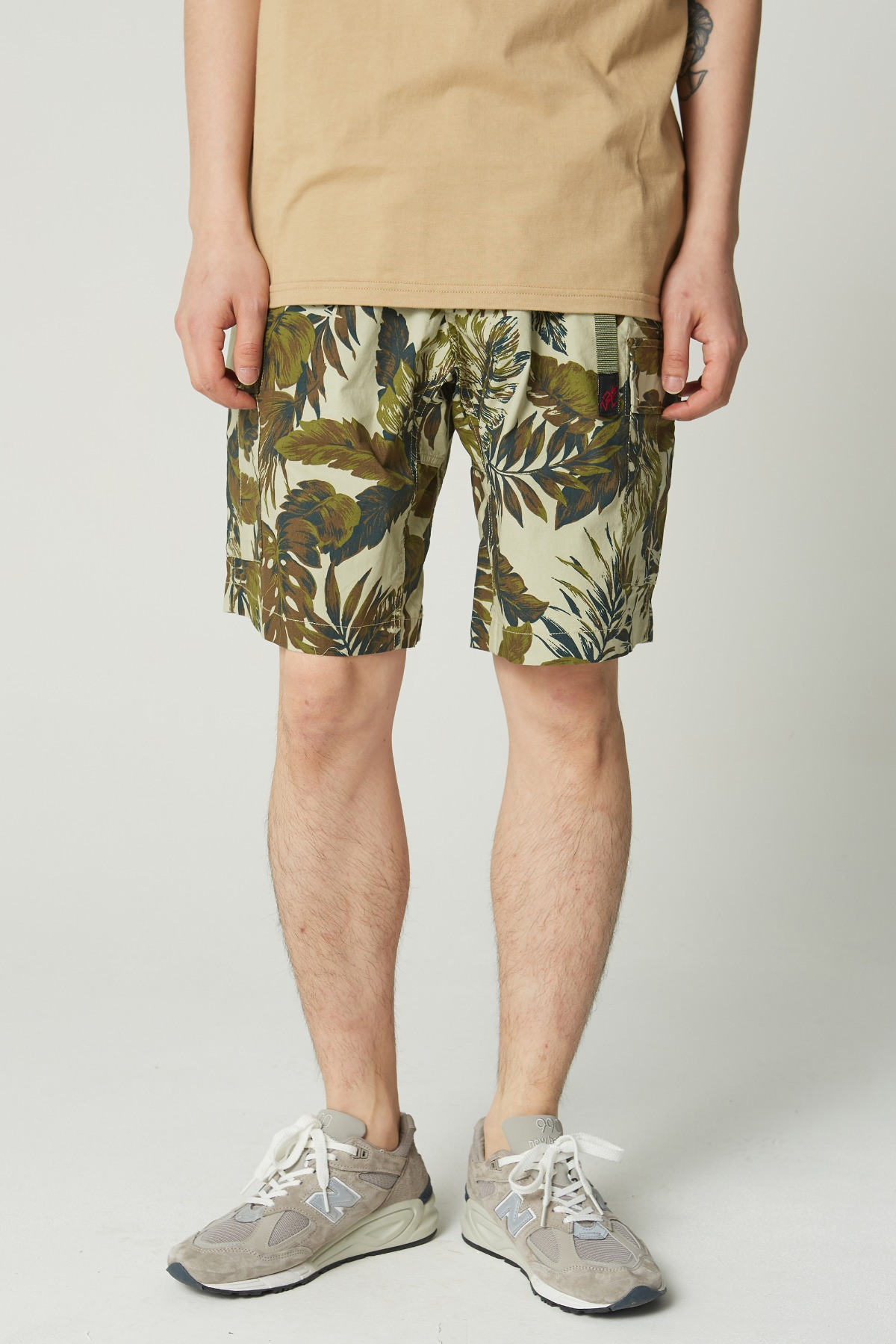 WEATHER CARGO SHORTS BOTANICAL BEIGE