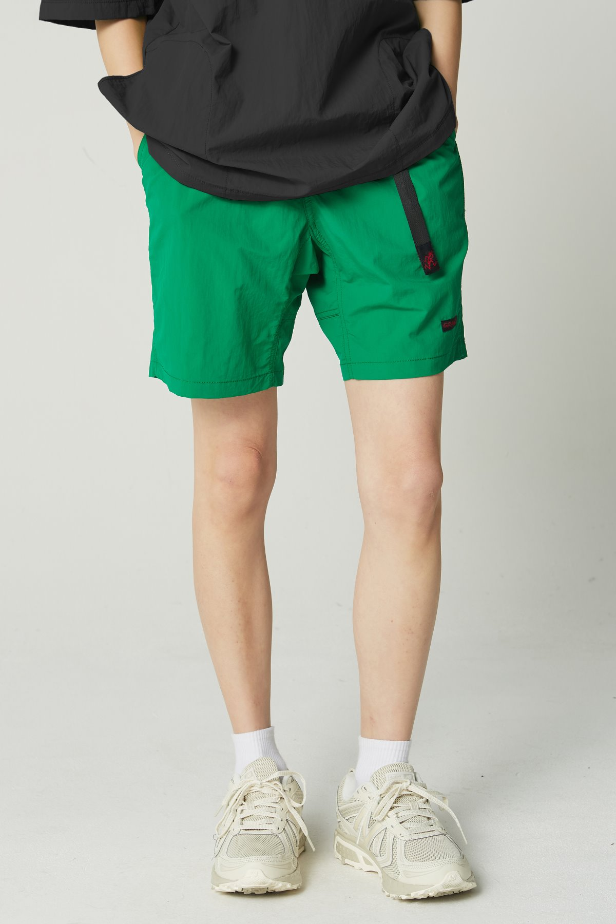 SHELL PACKABLE SHORTS KELLY